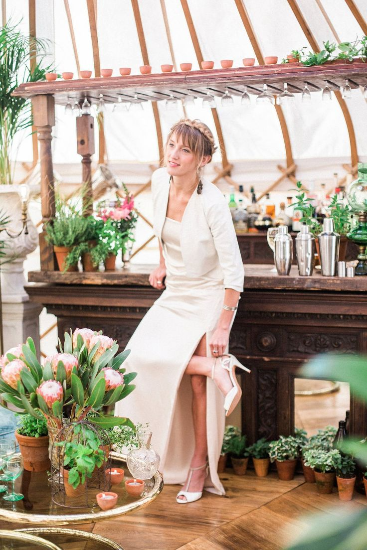 Natural Beauty - a free spirited styled shoot by Wedding Yurts, available for hire throughout the UK.