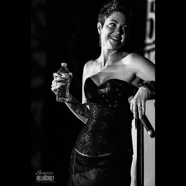 Kim Rhodes, Karaoke, VanCon 2016  #KimRhodes #Karaoke  #VanCon2016…