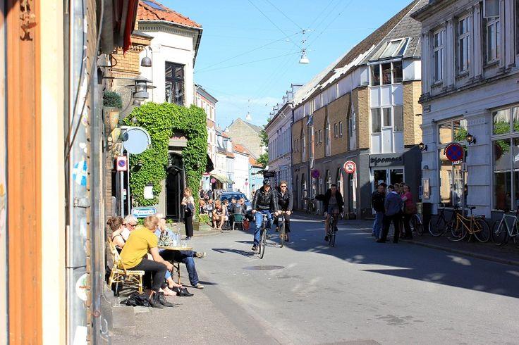 9 powodów dla których warto odwiedzić Aarhus    Nie macie pomysłu na weekendowy wypad? Jedźcie do Aarhus! To duńskie miasto zaskoczy na wiele sposobów: kulinarnie, wizualnie i swoim wyjątkowym klimatem.