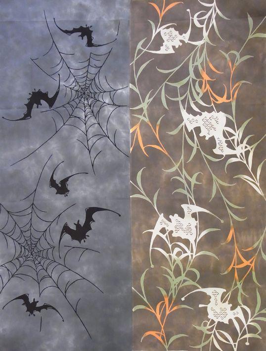 左手ぬぐい 蜘蛛の巣と蝙蝠  右手ぬぐい 雲井染め柳とこうもり