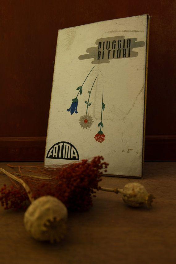 Vintage rare advertising board 'Pioggia di Fiori'  di Daedaleum
