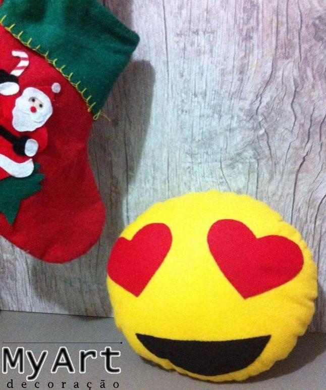 Almofada de Feltro - Emoticon apaixonado