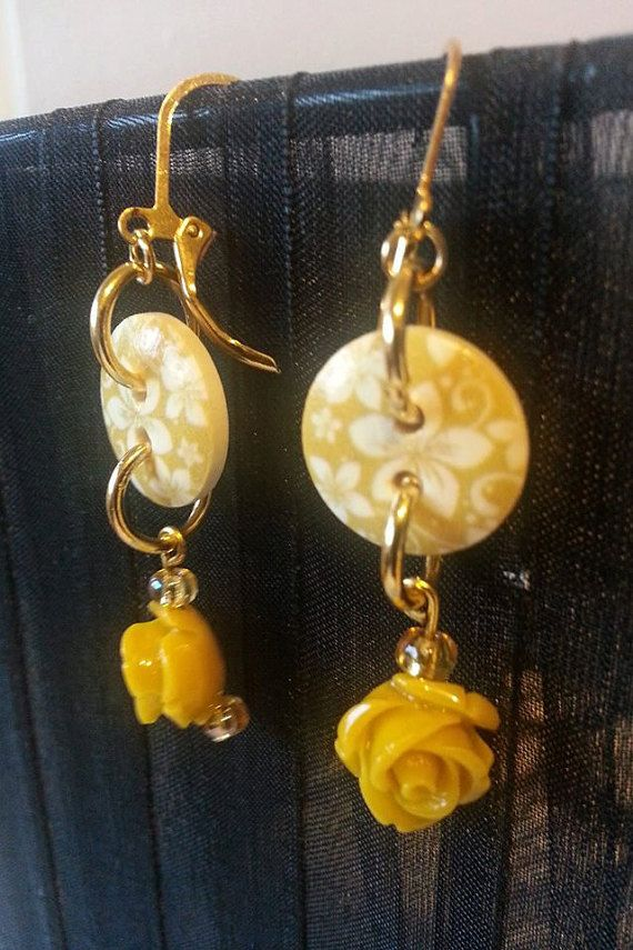 Buttercup earrings / button of Gold Earrings by ElLunarBijoux