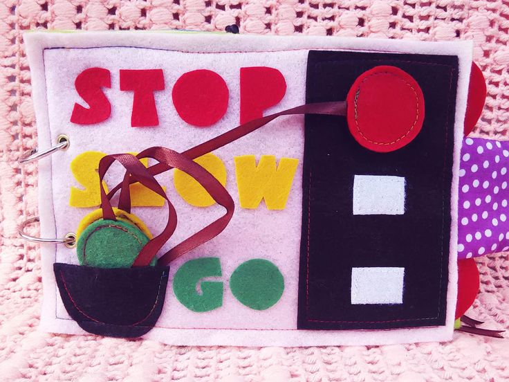 Activity 8 - Daddy, red means stop!  * Matching colours * Refining motor skills #busybook