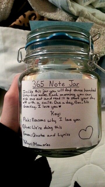 365 note jar gift for boyfriend http://www.ladiesbliss.com
