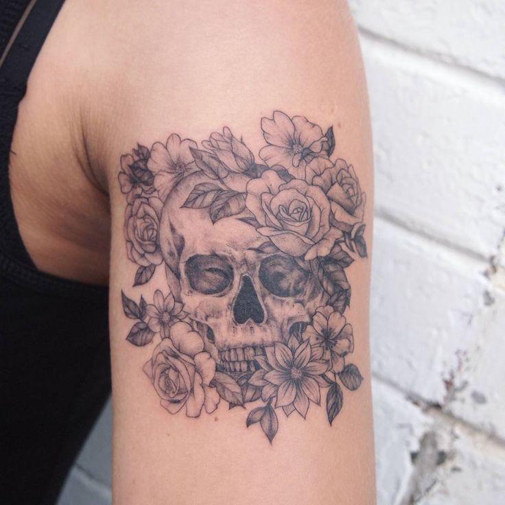 skullflowers #tattoo #tattoopeople #toronto #타투 #타투피플 #토론토