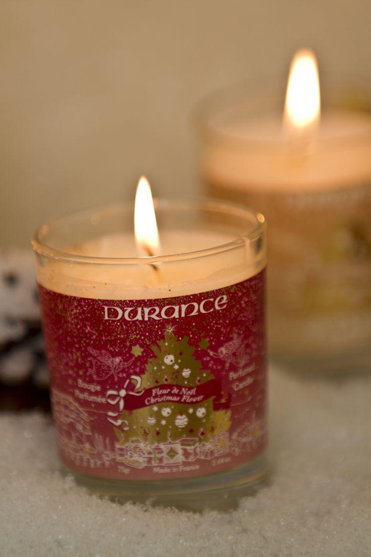 Laissez-vous séduire par cette petite bougie 75g Fleur de Noël Durance.
