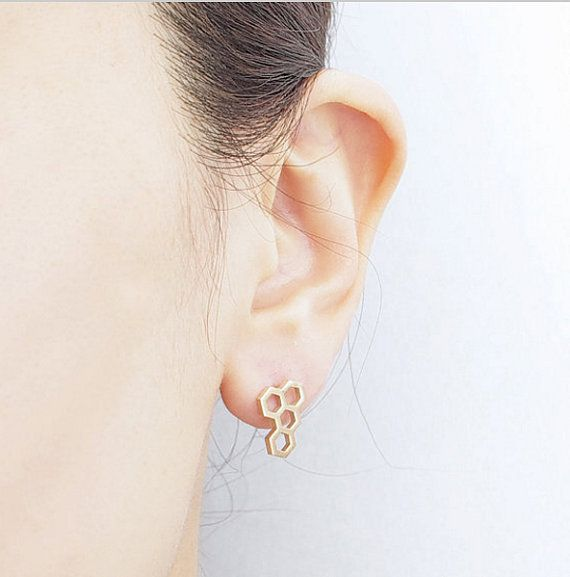Minimalistic Honeycomb Bee Stud Earrings 18k Gold by MinimalMeow
