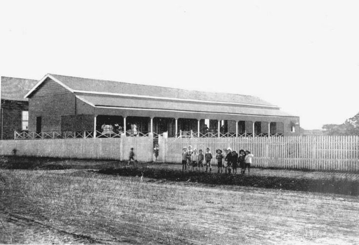 Convent School, Adelaide Street, Maryborough, ca. 1915.  This was the original Convent School in Adelaide Street, Maryborough. The building was later used as the Parish Hall