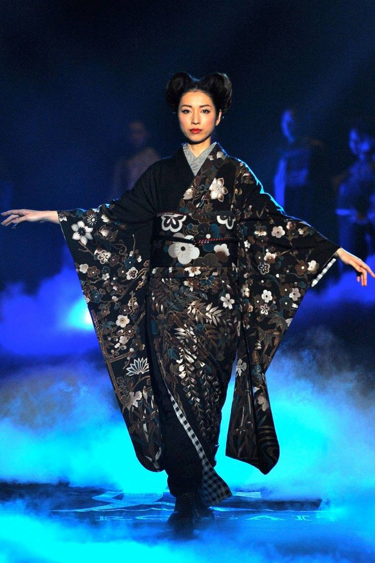 Furisode - The newest line of Japanese kimono at Mercedes-Benz Fashion Week TOKYO's by JOTARO SAITO for 2016 autumn and winter!