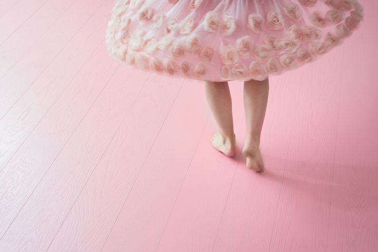 Pretty in Pink! The dream floor for all the princesses, smaller and bigger ones, is here. The new Oak PINK, brushed matt lacquered is a true show stopper.