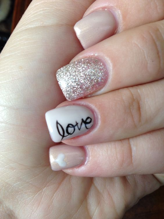 Nude & Glitter Wedding Nails for Brides / http://www.himisspuff.com/wedding-nail-art-desgins/8/