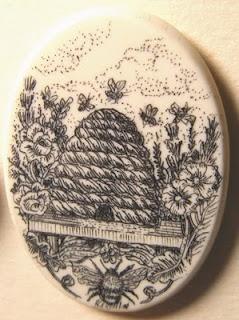 Scrimshaw bee button