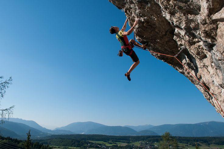(c)Adrian Hipp  Kletterlust am Kanzianiberg in #Finkenstein. #kingofkanzi #überdenWolken #Freiheit #Lebenslust #Power #Sport #klettern