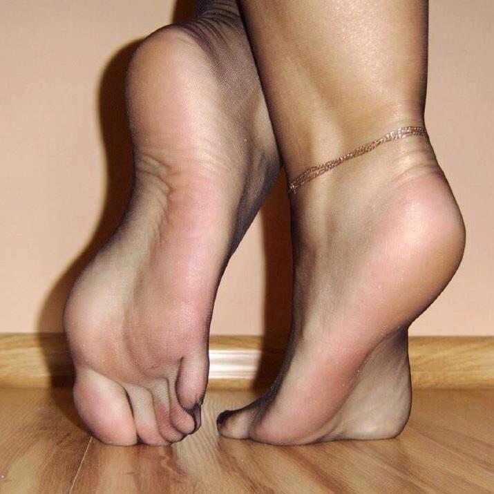 Male foot fetish info