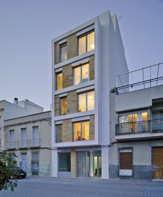 Residential Building in Cieza / Xavier Ozores