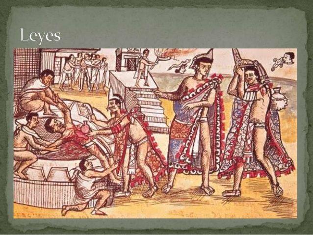 Religión  Según los aztecas el mundo fue creado y destruido cuatro veces. Luego fue creado por los dioses por  quinta vez. E...