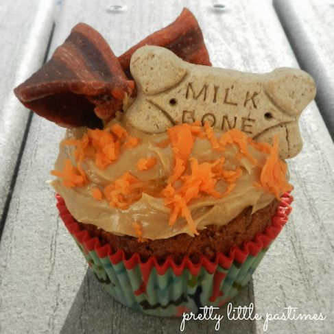 Peanut Butter & Carrot dog friendly Pupcake recipe. I should make these for Buddy's upcoming birthday!