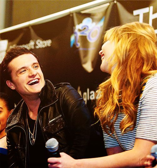 Josh Hutcherson and Jennifer Lawrence <3