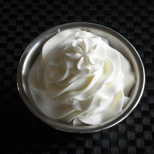 Stabilized Whipped Cream     I used locally glass-bottled cream today.     Before finding this recipe, I often wondered how bakeries an...