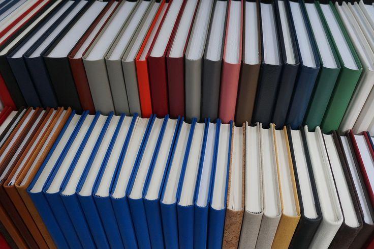 Hardcover boeken maken boek laten binden harde kaft boekjes binder hardcopy boekje binderij boekenkaften in linnen boekband of leer en kunstleren kaften