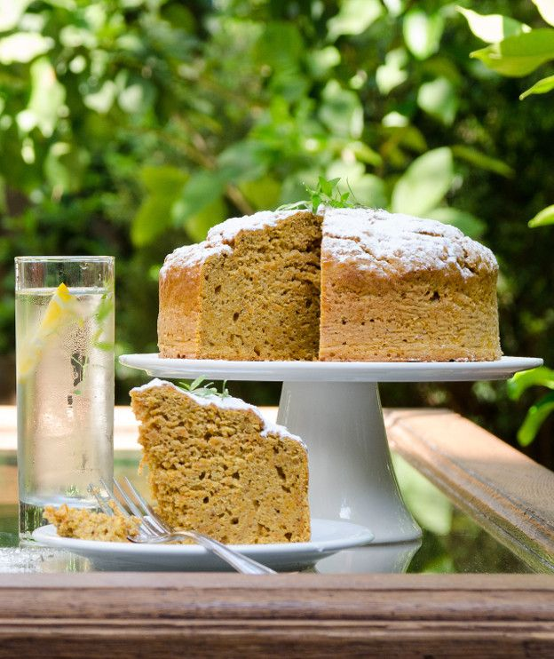 Χωρίς κόπο και χωρίς μίξερ το κάροτ κέικ γίνεται πλουσιότερο. Το μυστικό βρίσκεται στο νέο αλεύρι ΑΛΛΑΤΙΝΗ Κέικ Φλάουρ.