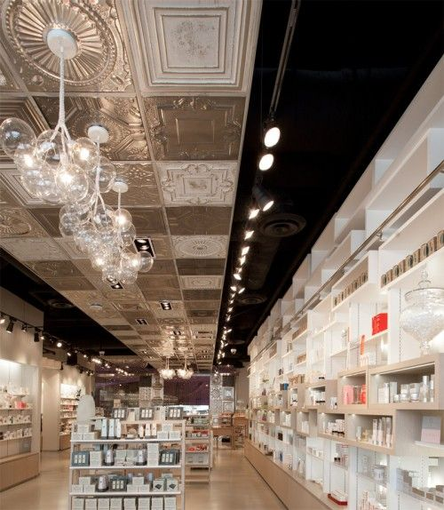 SKINS 6/2 Cosmetics shop in Las Vegas by UXUS Design
