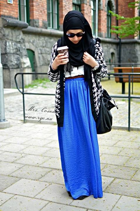 #comfy #slouchy #school Blue Maxi Skirt, White Top, Black Scarf, and Black & White Large Sweater Jumper