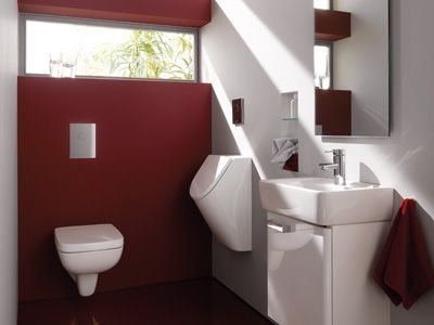 Keramag Renova Nr.1 Plan:  Designstark, hygienisch und extrem wasser-  sparend. Renova Nr. 1 Plan überzeugt im modernen Gäste-WC mit innovativen Kon-  zepten. In der idealen Kombination von 4,5-l-WC und separatem Urinal mit nur 300 mm Ausladung und sparsamer Spülung ab 0,5 Liter. Und mit Ordnung schaffenden Unterschränken für Handwaschbecken ab 450 mm Breite.