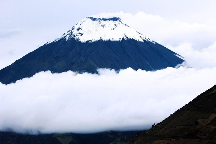 Tungurahua Volcano (by Miguel Bernal)