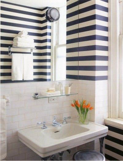 Exceptional Horizontal Stripes Make A Bath Seem Wider. I Love The Bold Navy And White  Stripes