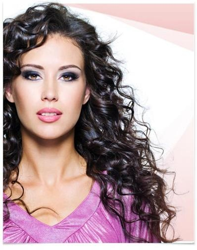 Embrace your natural curls with these basic tips for curly hair! Visit