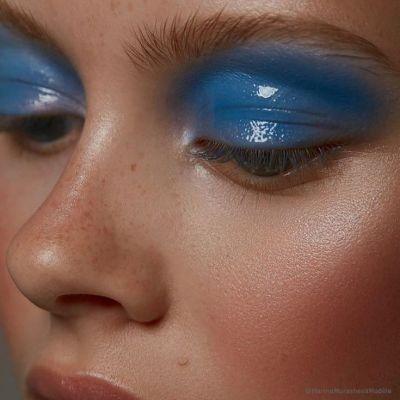 Tendance Eye Make-up 2019 #3 – Les bleus intenses