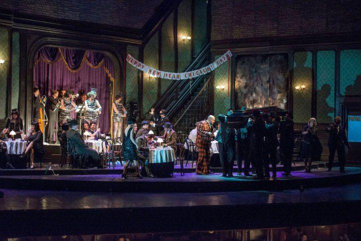 într-o joi, 4 mai 2017, la Opera Națională București Giuseppe Verdi: Rigoletto Regia: Stephen Barlow; scenografia: Yannis Thavoris; lighting design: Warren Letton; coregrafia: Victoria Newlyn Lucia…
