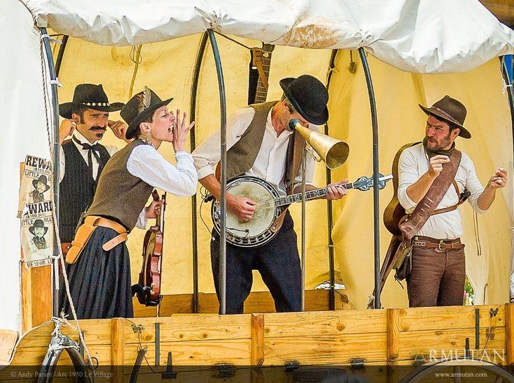 ©#armutan ©#andyparant #farwest #musique #country #bufaloose #cowboys #chariot #banjo