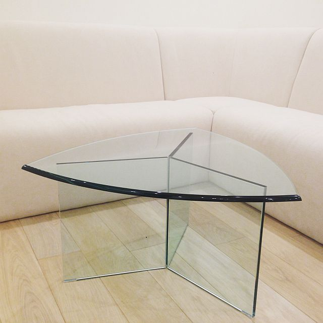 Фотогалерея мебели из стекла, стеклянные полки, столы стеклянные - компания Spark Decor Компания Спарк Декор