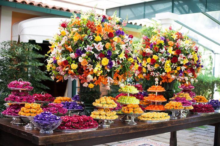 Mesa de doces para casamento - Decoração Daniel Cruz - Forminhas D. Margarida
