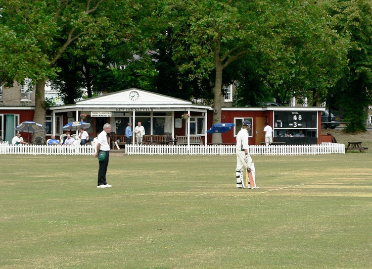 Kew Cricket Club, London.....a perfect Sunday afternoon