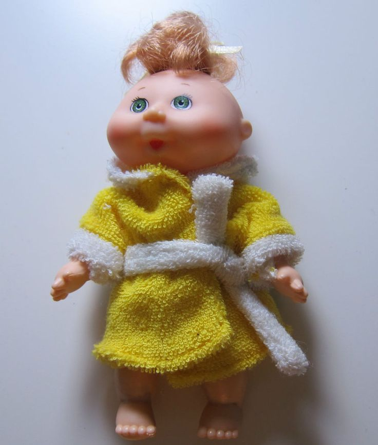 "Mini Cabbage Patch Doll 4.5"" Tall Strawberry Blonde, Blue Eyes, Yellow Robe 1995 #CabbagePatch #Dolls"