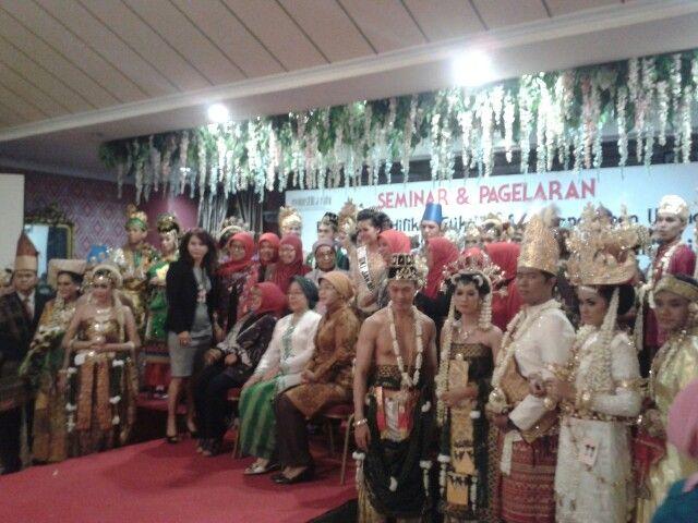 Pagelaran Tata Rias Pengantin Indonesia 2013