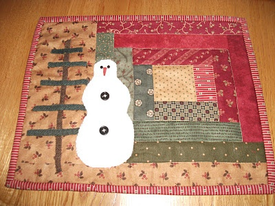 Snow Quilt: Mats Rugs, Logs Cabin Appliques Quilts, Logs Cabin Mugs Rugs, Snowman Candles, Quilts Candles Mats, Snowperson Quilts, Snow Quilts, Candles Mats I, Cabin Trees