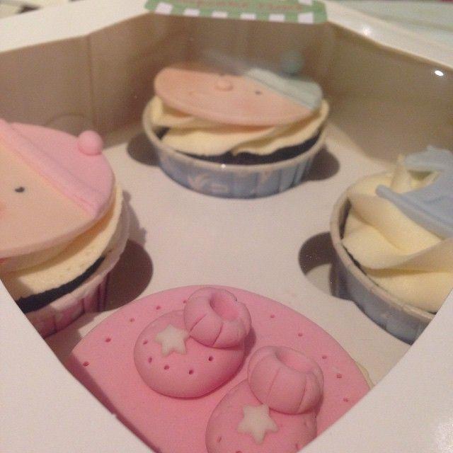 Många som inte vet kön innan det är dags  #cupcake #newborn #bebis #baby #dop #babyshower #barnkalas #födelsedag #fest #party #sockerpasta #handmade #boy #pojke #christening #girl #flicka #göteborg #linné #gbgftw