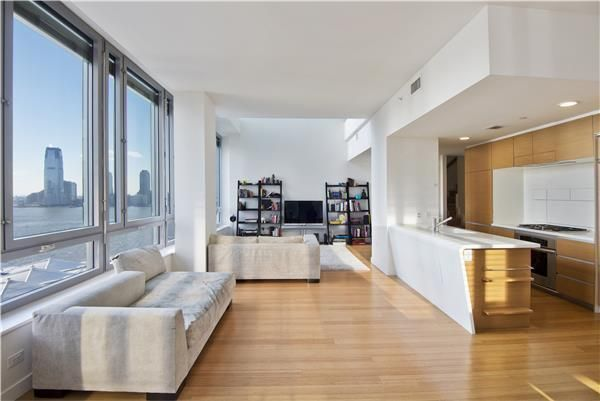 Riverhouse one rockefeller park at 2 river terrace in for 2115 east river terrace