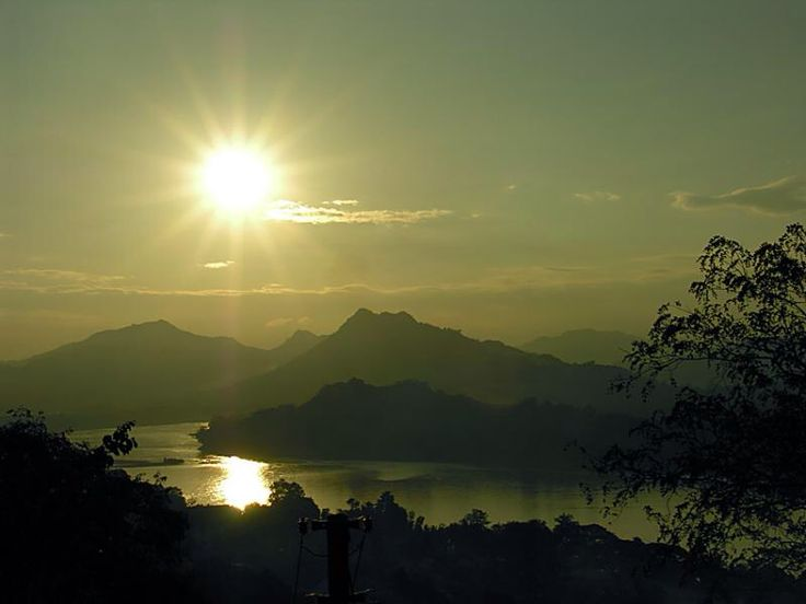 Sunset on de Mekong River, Luang Prabang, from Phousi Hill in Laos
