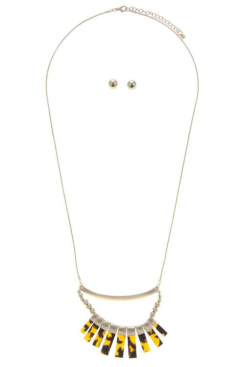 {Fringe Bar Crescent Long Necklace}