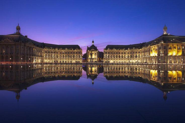 Aquitaine, Bordeaux serait la ville du bonheur ? Son architecture, sa gastronomie, sa culture, son patrimoine sans oublier les rues pittoresques du vieux Bordeaux… Flânez et appréciez avec Bontourism®