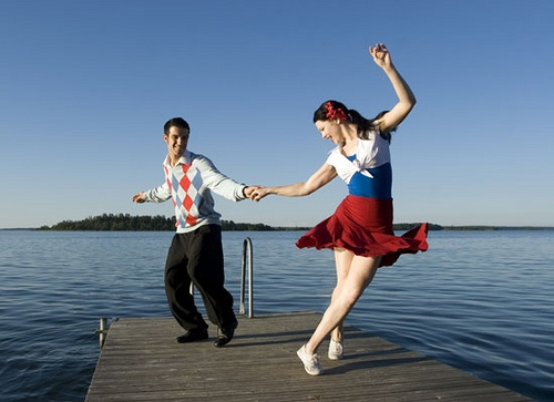 YOUNG LOVE RETRO DANCING