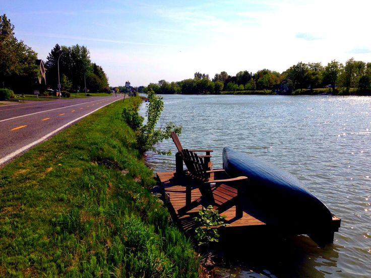 Need a weekend getaway? We went cycling along the Chambly Canal and it was great! Check out our new post on the blog @cecileandlaura
