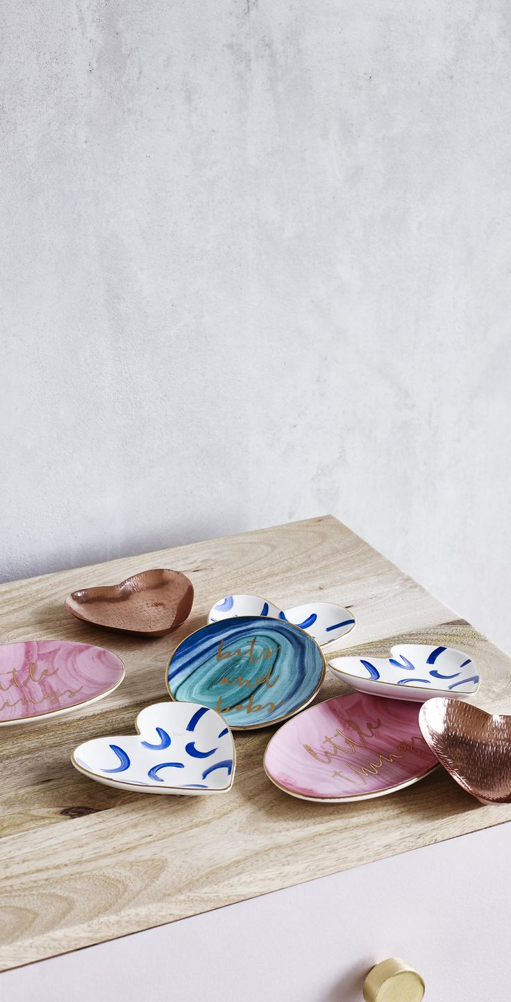 Designed to store and display your bits and bobs, dress your vanity table or shelf with this Trinket Dish.