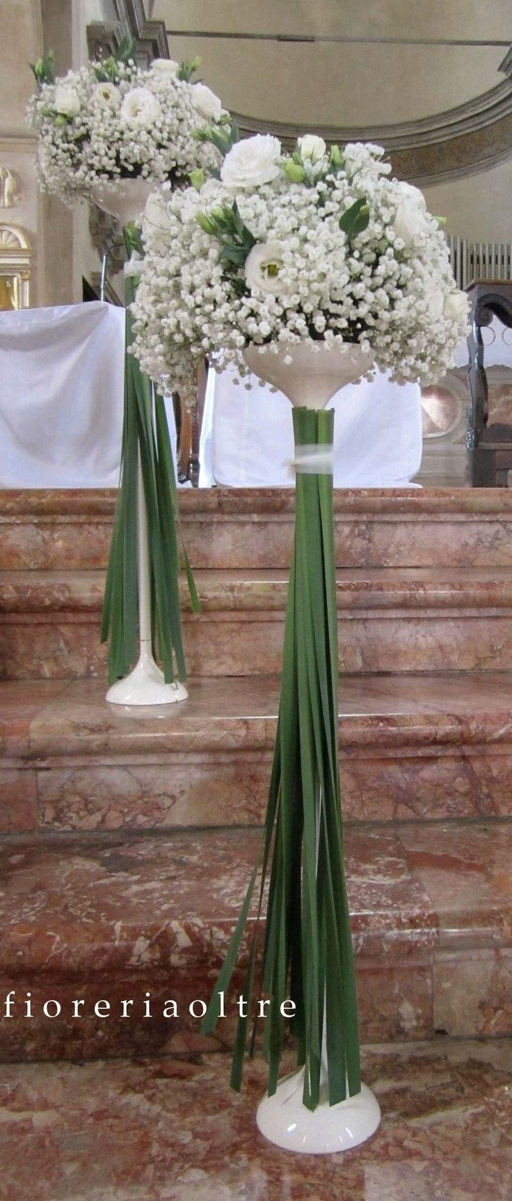 Fioreria Oltre/ Wedding ceremony/ Church wedding flowers/ Baby's breath…